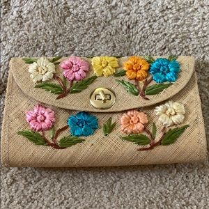 Very pretty summer straw bag